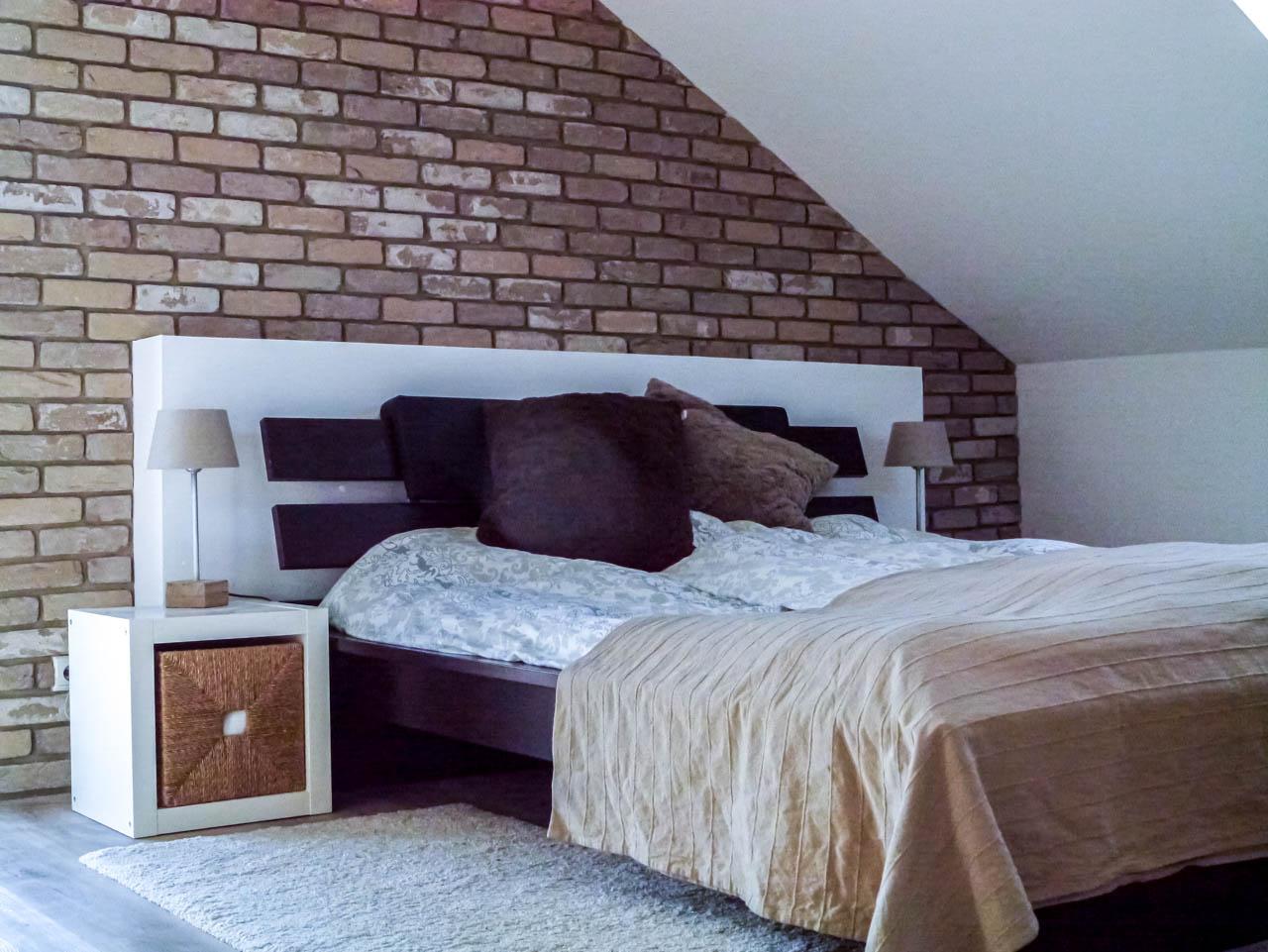 Steinwand im Schlafzimmer - Loftcharakter