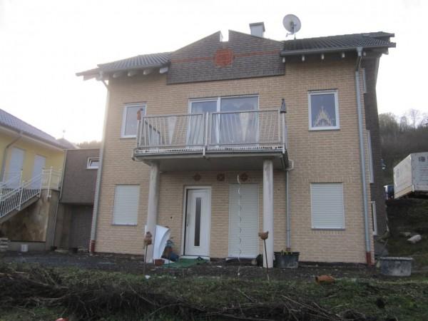 Hausfassade-Verblendsteine-Sandgelb-Lava-05