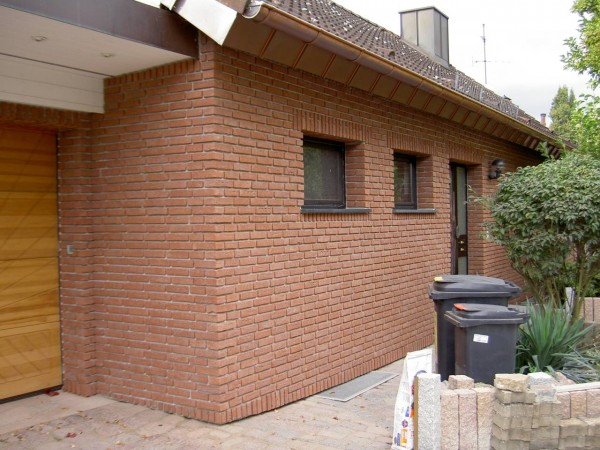 Hausfassade-Riemchen-Rubinrot-17
