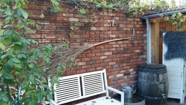 Gartenwand-rustikal-Antik-edel-01